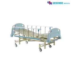 Tempat Tidur Pasien 3 Engkol Standar Rumah Sakit